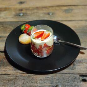 Verrine de fraises et biscuit croquant